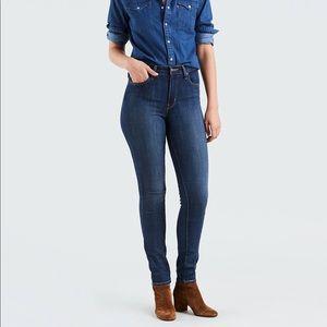 NWOT Levi's Womens 721 High Rise Skinny Jeans 28R